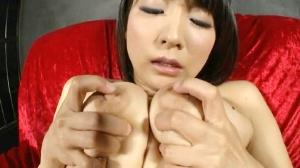 淫乱 美熟女 乳首オナニー エロ動画