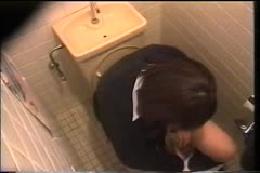 驚愕!! 産婦人科診察室検診 トイレ検尿 着替え