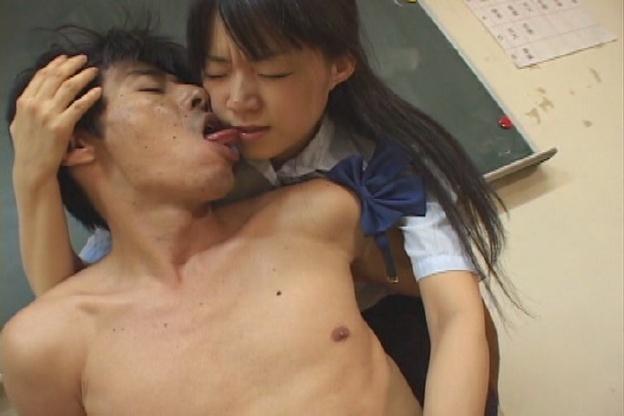女子校生のべろちゅう×手コキ