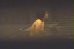 女風呂 覗きの穴場 卒業旅行編 1