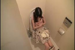 トイレ盗撮 5○才の女盗撮師が撮りためた便所盗撮