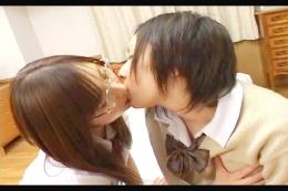 女子高生のレズキス