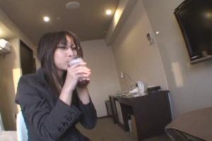 お気に入りのOLを連れ込んで酒に酔わせてヤッちゃう方法 Vol.007 エロ動画