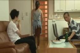 【お尻】人妻のムチムチお尻に我慢できずトイレでシコシコ☆先輩…