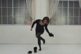 【ヌード】黒タイツお姉さん☆黒で統一した服を一枚一枚脱いでいったら最後は全裸♪♪♪