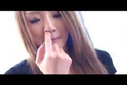 【鼻クソ】女性が鼻くそをほじる特集動画☆大量の鼻クソがとれる…