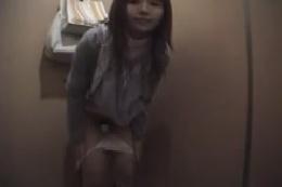 【フェチ動画】とある素人女性の日常をビデオにおさめたモノです…
