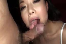 爆乳妻の濃厚パイズリでザーメンをたっぷり発射☆☆