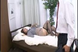 EOYG-32-2 美人秘書さんの誘惑