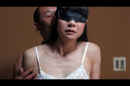 夫婦交換(やる)-目隠し拘束妻