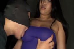 セックスで激しく揺れるオッパイ 4