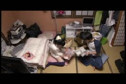AV撮影現場で待機中にエロイ事をしてるスタッフを盗撮 vol…
