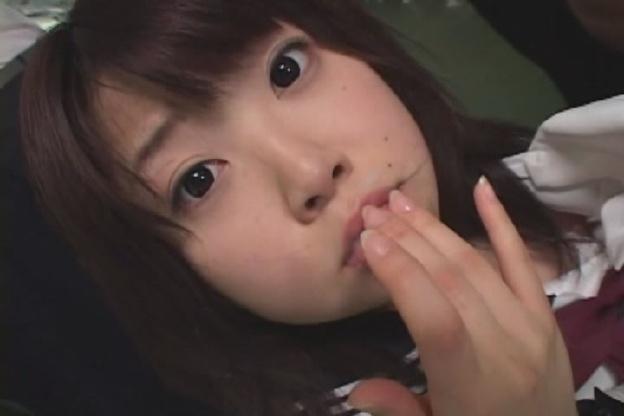黒タイツ女子校生痴漢バス
