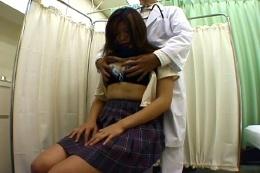 女子校生わいせつ内科検診