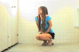 共同トイレで女子トイレを故障中にしてた…