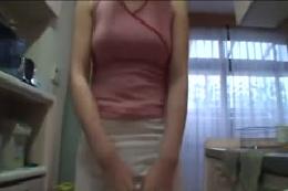 【無毛フェチ】恥ずかしがり屋のウブな女の子がミニスカで誘惑☆…