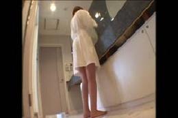 【ヌード】奥さんが水着に着替えてくれました!からのプールで全…